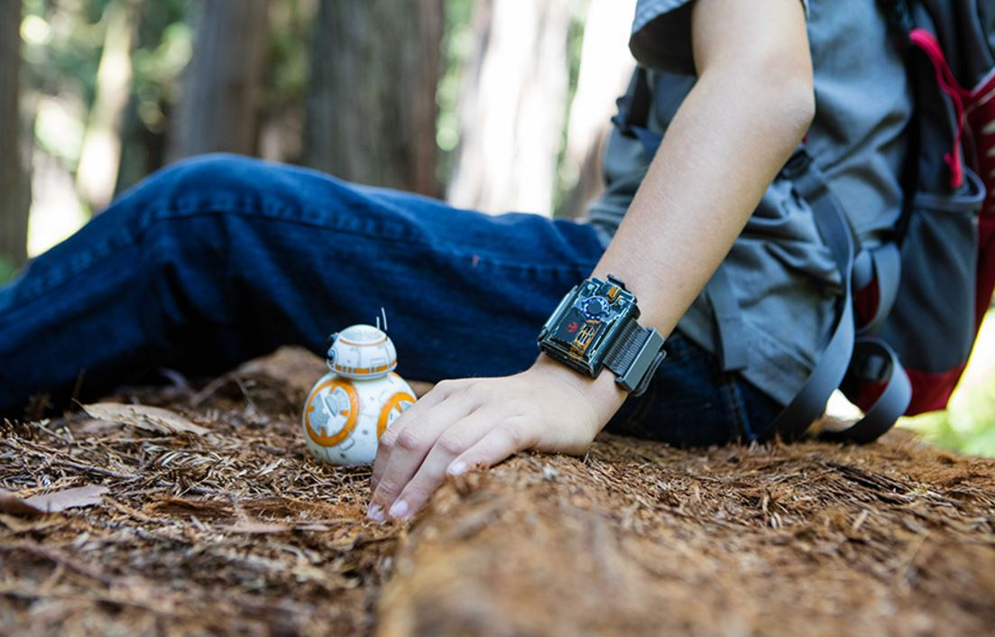 Sphero's new wristband can control BB-8 droid with hand gestures