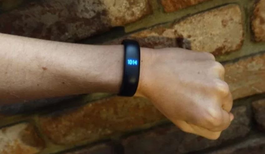 Meizu Band is an affordable waterproof tracker with heart rate monitor