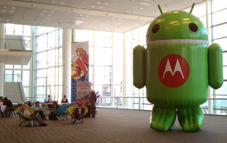 After Nokia and BlackBerry, Lenovo aims to bring back the Motorola brand to its roots