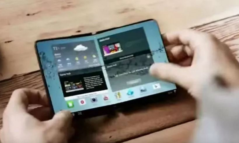 Samsung aims to release foldable Galaxy device next year